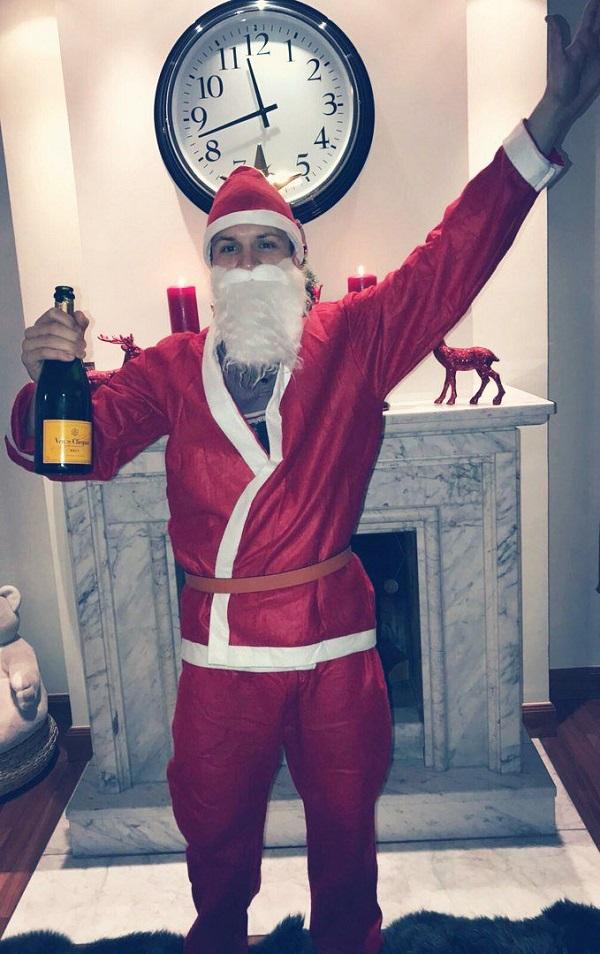 Коноплянка привітав з Новим Роком в образі Санта-Клауса - фото 1