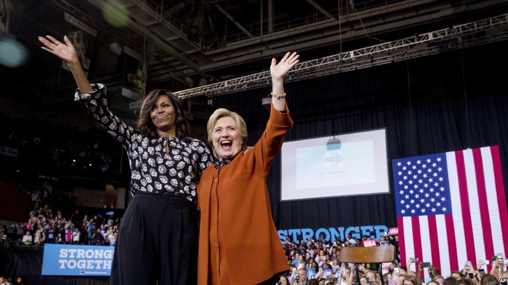 Мішель Обама та Гілларі Клінтон подружилися у Північній Кароліні - фото 1