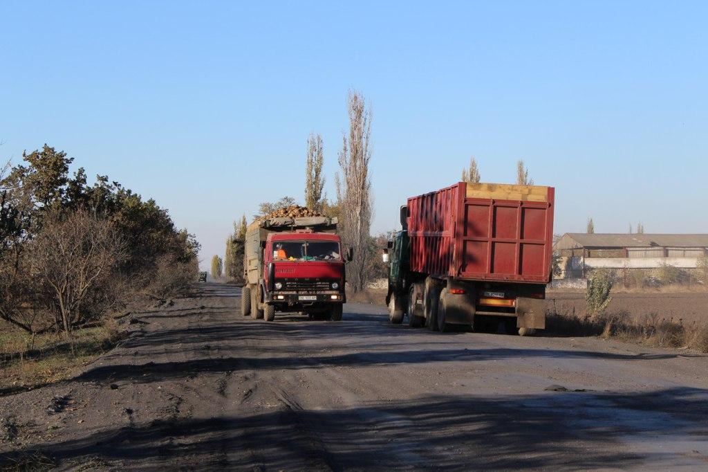 Засільський цукровий завод продовжує вбивати дороги у Снігурівці