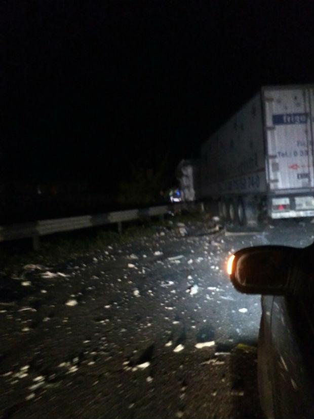 Під Харковом через страшну аварію утворився величезний затор, - очевидець - фото 6