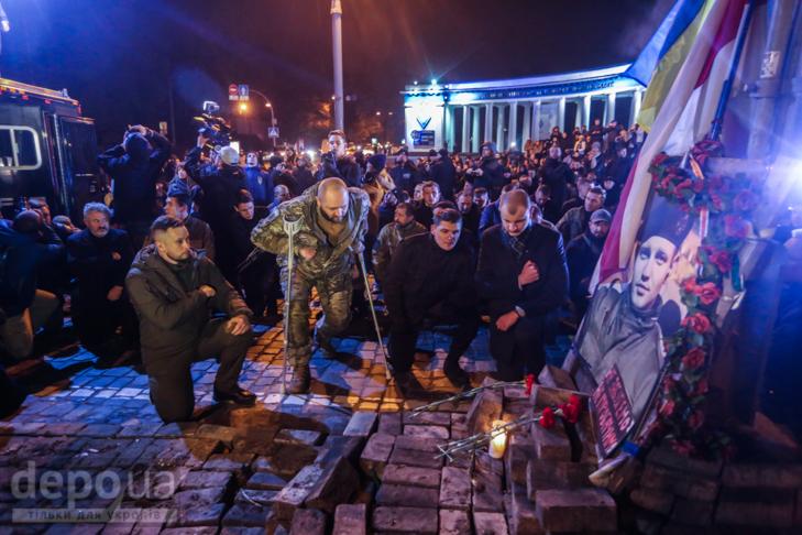 """Як """"Азов"""" із фаєрами і петардами пройшов """"Маршем нації"""" - фото 15"""