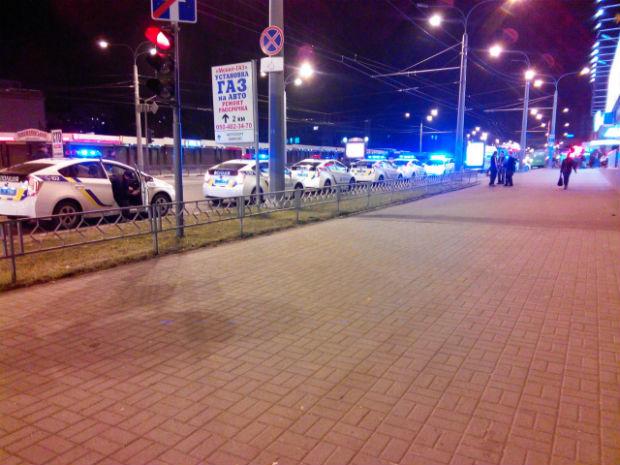 У Харкові після зауваження п'яним патрульному довелося викликати дев'ять екіпажів підмоги - фото 1