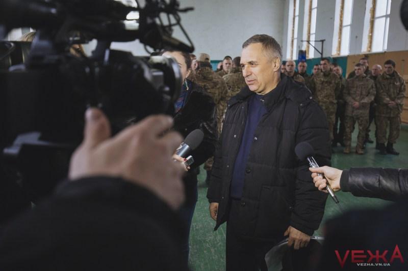 """""""Вінниці"""" від Вінниці: волонтери передали бійцям позашляховик """"Mitsubishi L-200"""" - фото 1"""
