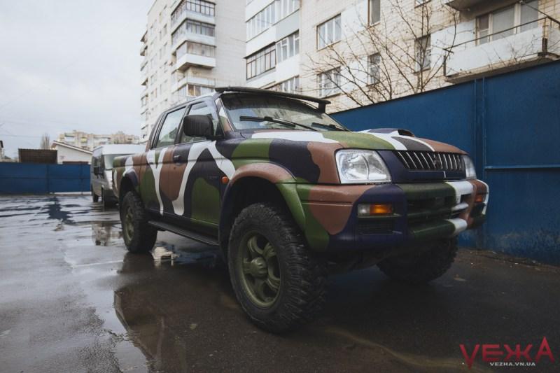 """""""Вінниці"""" від Вінниці: волонтери передали бійцям позашляховик """"Mitsubishi L-200"""" - фото 4"""