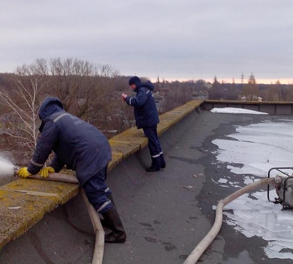 У райцентрі на Дніпропетровщині затопило поліклініку - фото 1