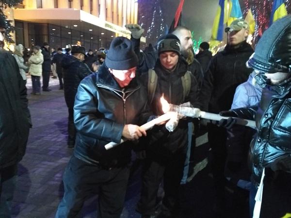 У Дніпрі відбувся смолоскип ний марш на честь Бандери - фото 4