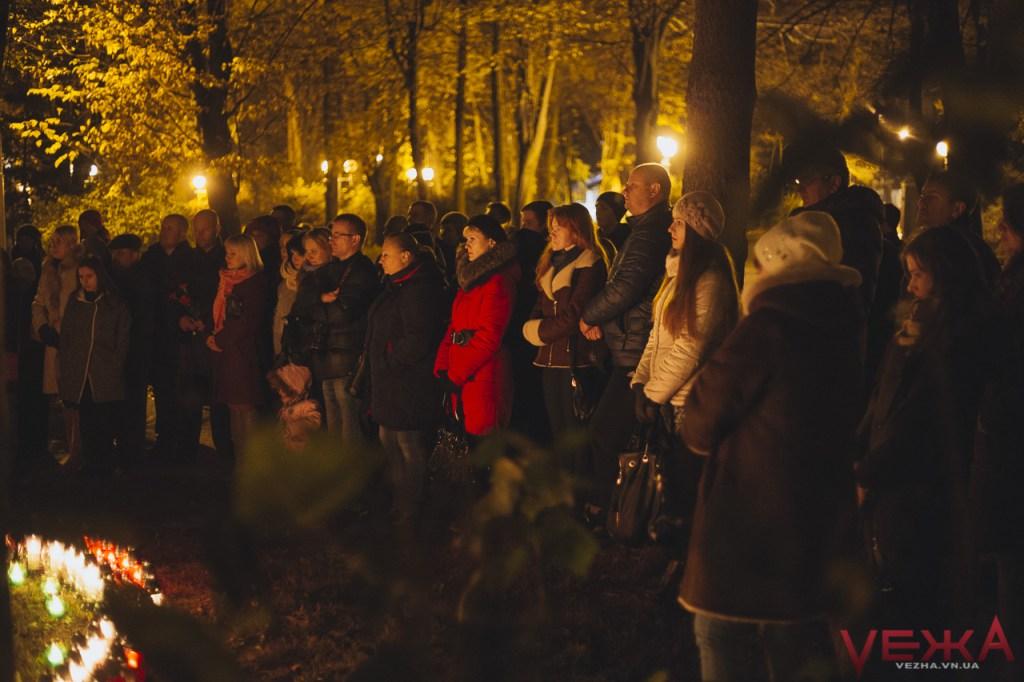 Вінницькі католики запалили свічу памяті на місці поховання тисяч замордованих радянською владою громадян  - фото 5