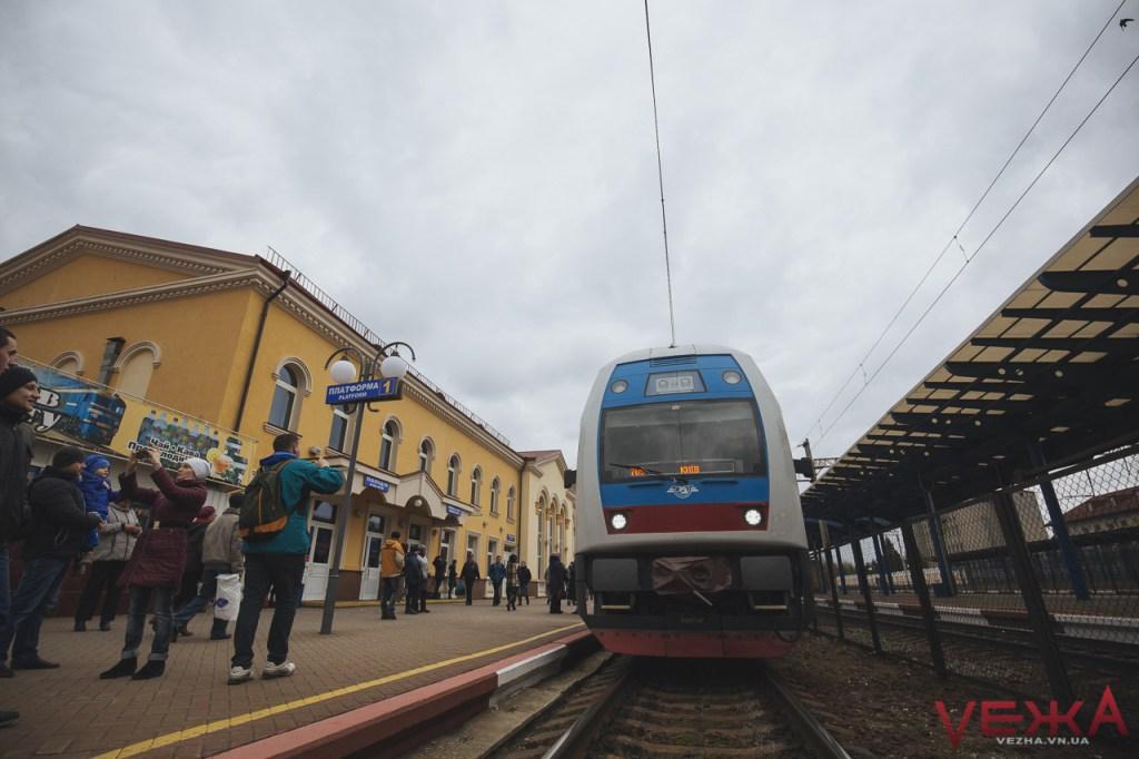 Вінничани прогулялися вагонами двоповерхового поїзда  - фото 1