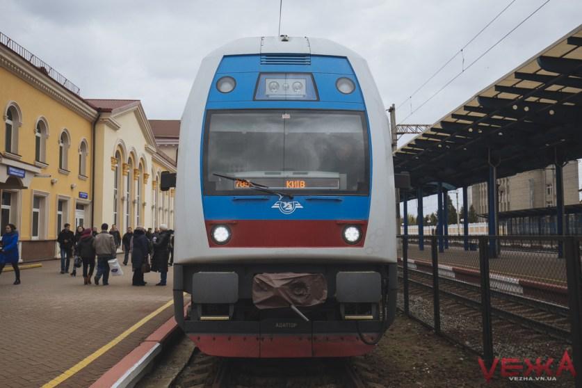 Вінничани прогулялися вагонами двоповерхового поїзда  - фото 2