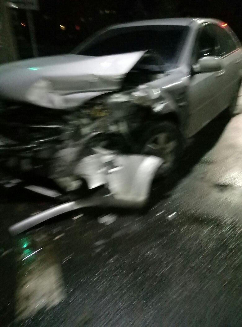 У Мелітополі в ДТП постраждали двоє людей - фото 2