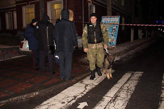 Під носом у СБУ: Валіза під банком примусила евакуювати майже 180 людей - фото 2