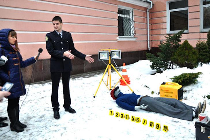 Полтавські поліцейські похизувалися новенькою пересувною лабораторією - фото 2