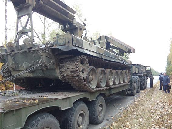Івано-Франківський автобус з пасажирами в'їхав в тягач з танком на Вінниччині  - фото 3