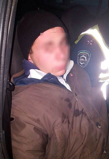 На Вінниччині пасажир викрав таксі, приставиши водієві ніж до горла  - фото 3