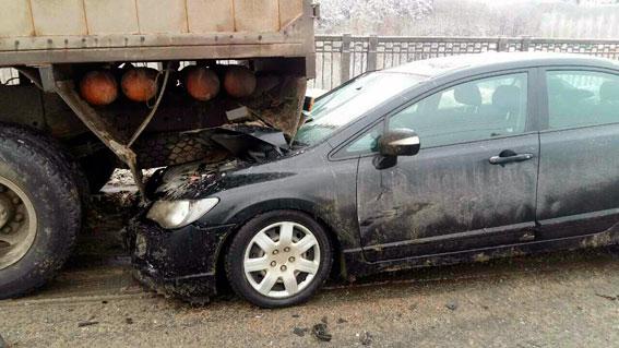 У поліції розповіли деталі смертельної ДТП на мосту в Харкові (ФОТО)  - фото 2