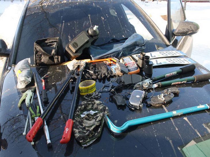 У Кременчуці затримали автівку серійного крадія - фото 1