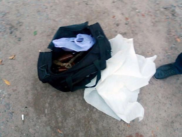 На Харківщині поліція затримала жінку під час спроби збуту автоматів - фото 2