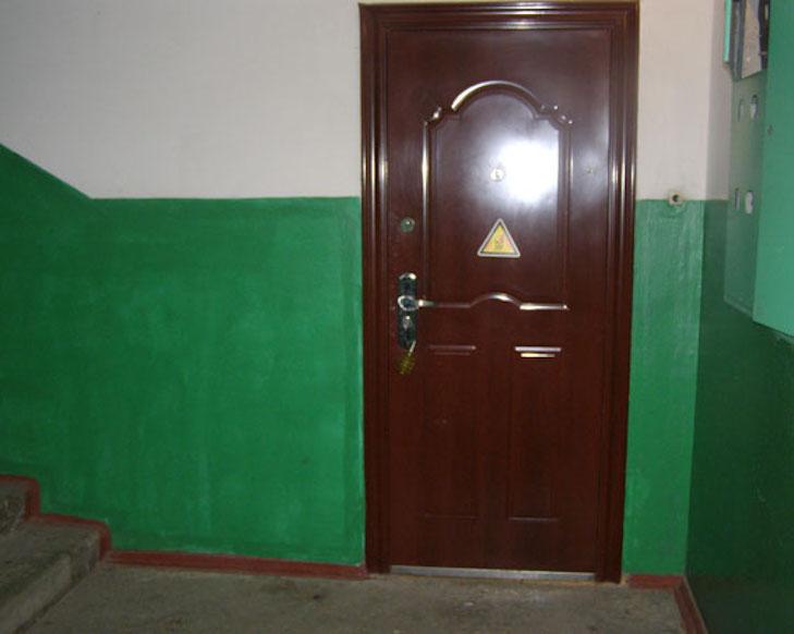 У Лубнах жінка знайшла гранату, прив'язану до дверей свого сусіда - фото 1