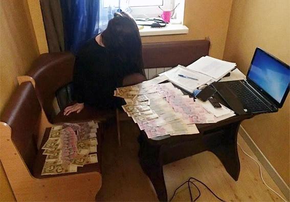 У Харкові поліція припинила діяльність онлайн-порностудії - фото 1