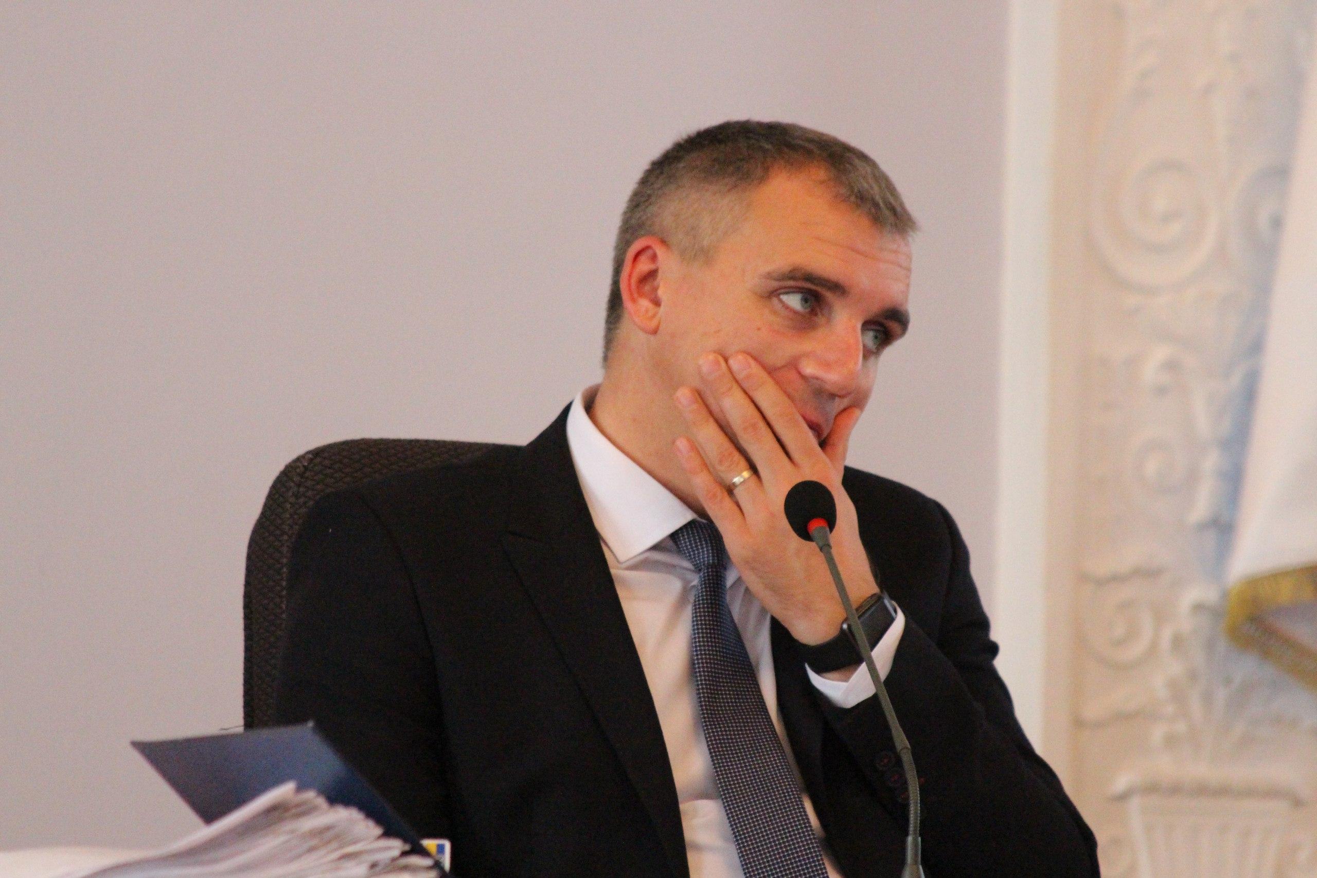 """Нижча ліга КВН: Як депутати """"тероризували"""" мера та гигикали на сесії - фото 5"""