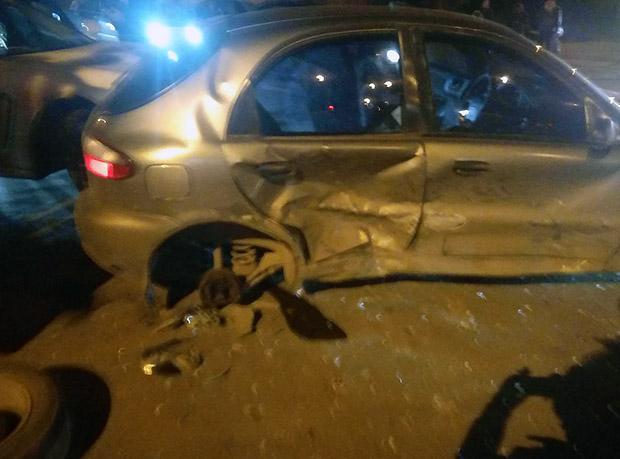 У Харкові зіткнулися три автомобілі - фото 2