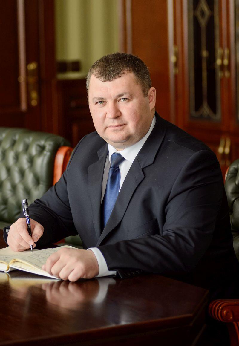 Прокурор Вінницької області задекларував позашляховик за півтора мільйона гривень - фото 2