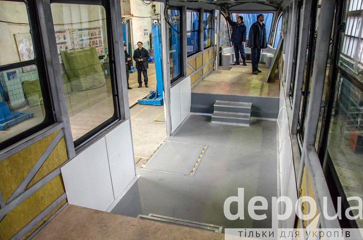 Як у Вінниці виготовляють четвертий трамвай VinWay, що вже скоро стане на рейки - фото 4