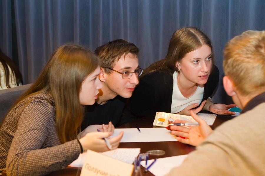 """Відомий телеведучий дав вінницьким студентам майстер-клас зі гри """"Що? Де? Коли?"""" - фото 4"""
