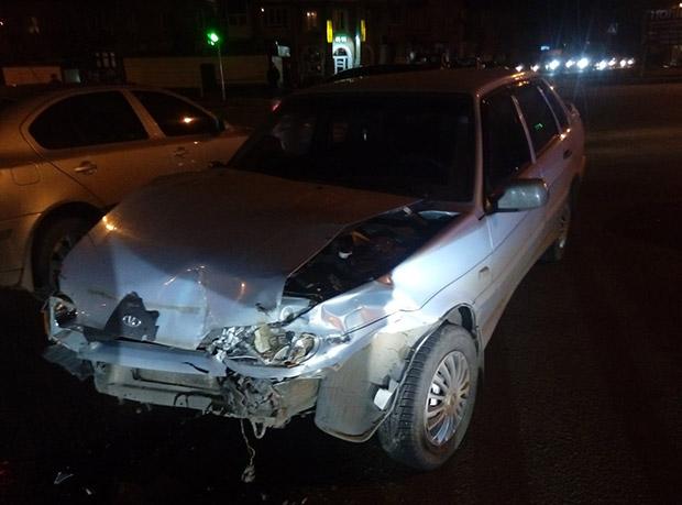 У Харкові зіткнулися три автомобілі - фото 1