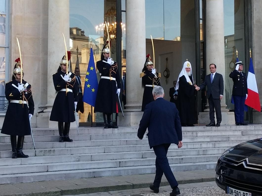 Патриарх Кирилл встретился спрезидентом Франции