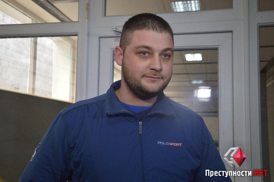"""Таксист відмовився від претензій двом миколаївським """"мажорам"""", що влаштували дебош з поліцією"""