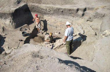На столичному Подолі археологи знайшли стародавню дорогу ХІ–ХІІ ст. - фото 1