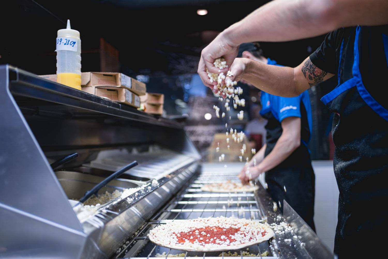 Domino's Pizza теперь доставляет по всему Киеву - фото 5