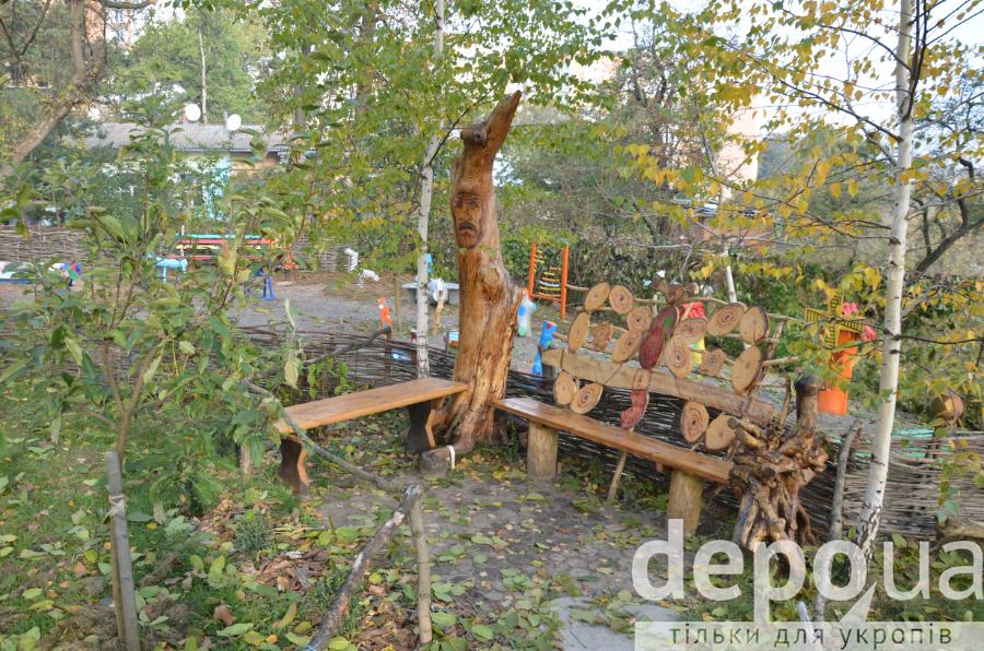 """Як мешканці """"хрущівки"""" перетворили чагарники на найкращий двір у Вінниці - фото 7"""
