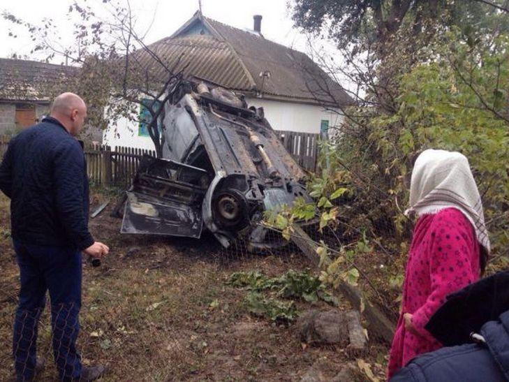 На Вінниччині в автомобільній аварії загинув сільський голова  - фото 2