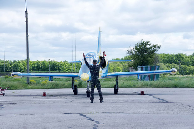 На Харківщині майбутні військові льотчики завершили цьогорічну практику - фото 1
