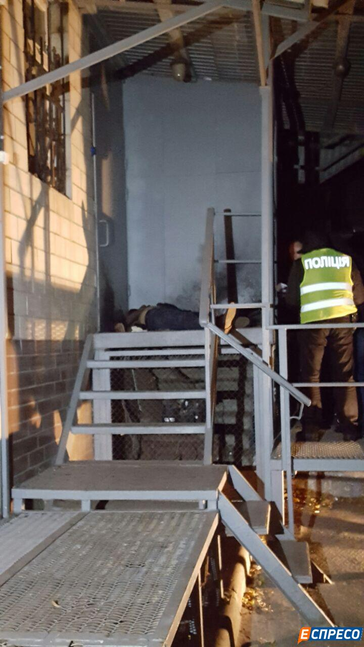 У Києві чоловік підірвав себе гранатою - фото 5