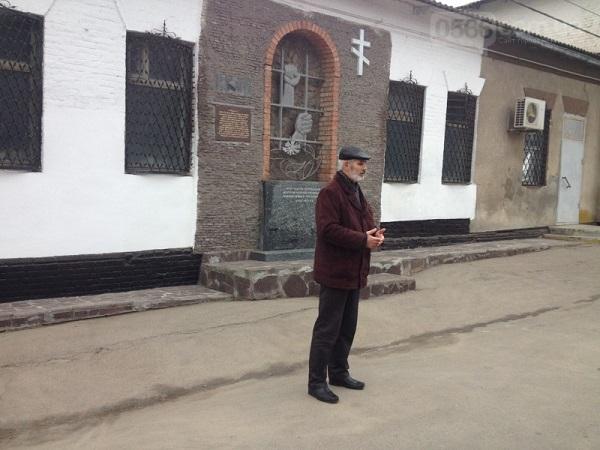 У столиці Західного Донбасу вшанували жертв Голодомору хрестом з лампадок   - фото 5