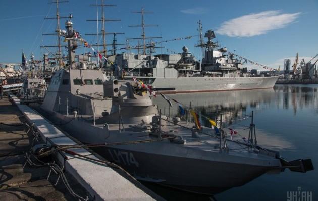 Українські ВМС отримали броньовані артилерійські катери (ФОТО, ВІДЕО) - фото 1