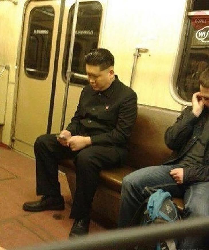 Порошенко, Обама, Путін... Кого ще можно зустріти у метро (ФОТОЖАБИ) - фото 12