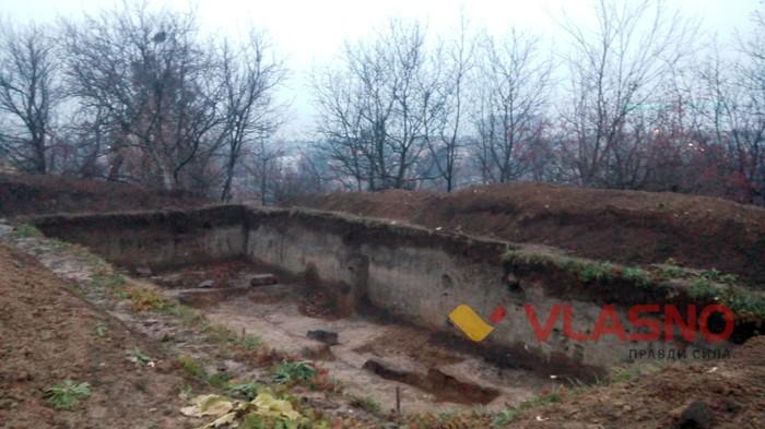 У Вінниця просто неба валяються людські останки  - фото 3
