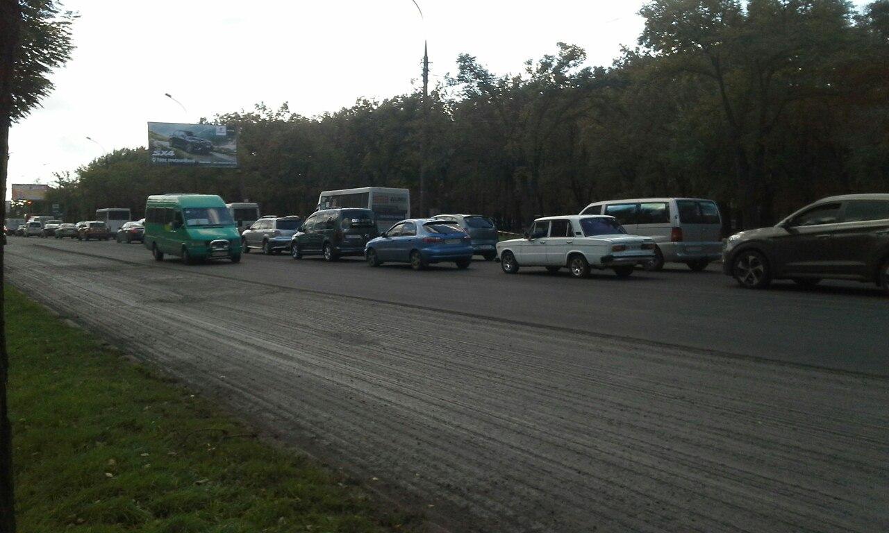 У Миколаєві через ремонт дороги утворився затор на Широкобальському мосту - фото 1