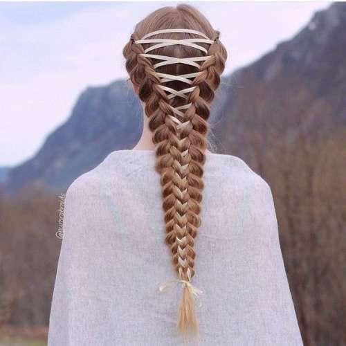 Як модниці заплітають волосся у корсети - фото 2