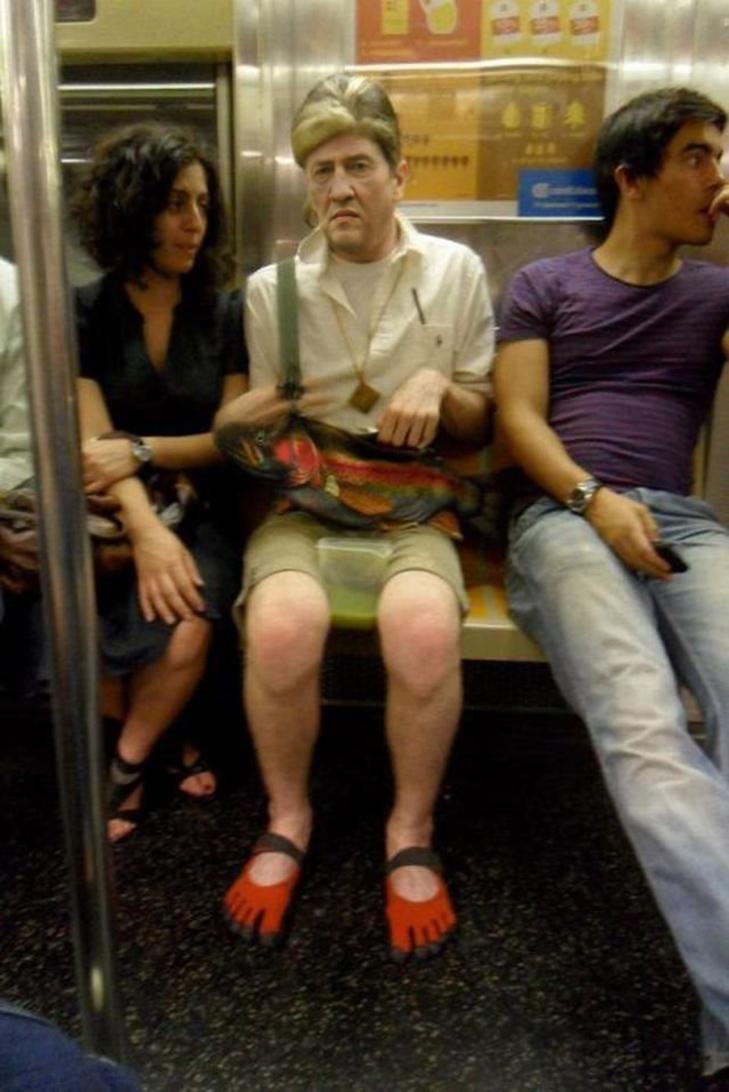 Порошенко, Обама, Путін... Кого ще можно зустріти у метро (ФОТОЖАБИ) - фото 7