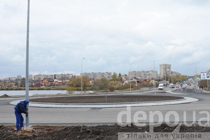 У Вінниці на двох великих перехрестях готують круговий рух - фото 1