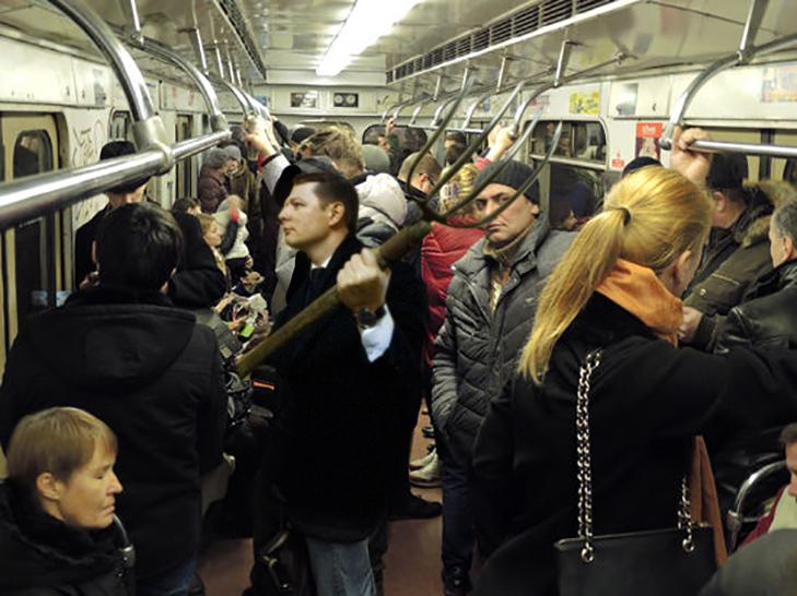 Порошенко, Обама, Путін... Кого ще можно зустріти у метро (ФОТОЖАБИ) - фото 2