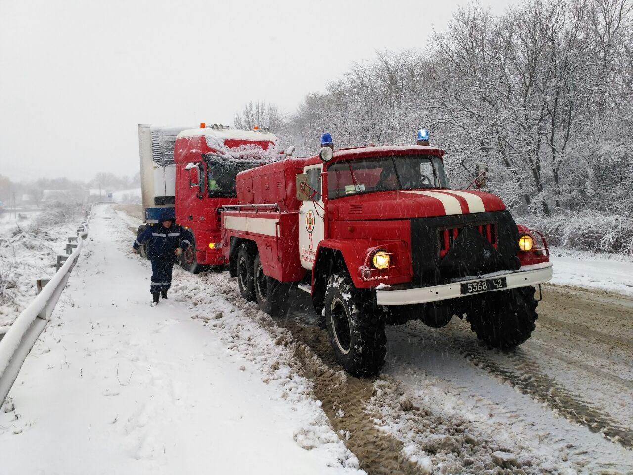 Сполучення між Кам'янцем і Хмельницьким перекрили - фото 2