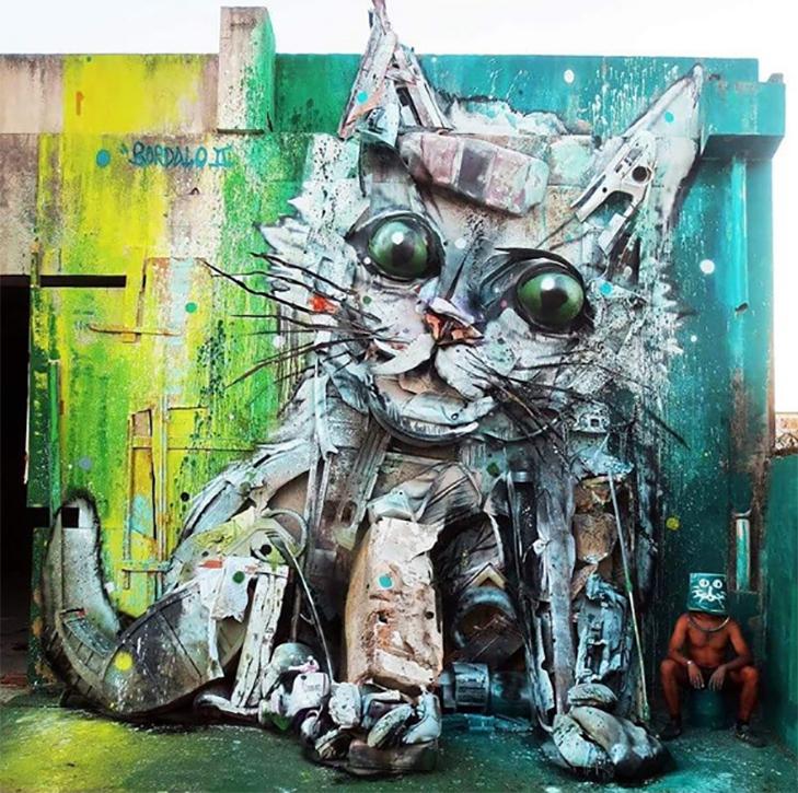 Художник перетворює купи сміття в неймовірні скульптури тварин - фото 10