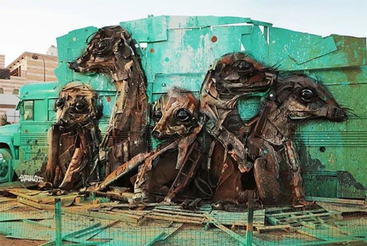 Художник перетворює купи сміття в неймовірні скульптури тварин - фото 9