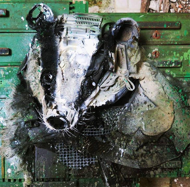 Художник перетворює купи сміття в неймовірні скульптури тварин - фото 17